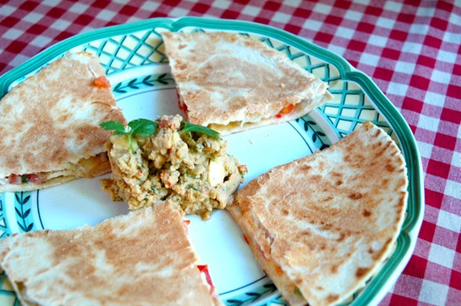 Simple Quesadilla With Vegan Avocado Dip