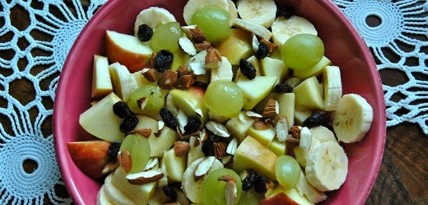 Healthy Snack – Fruit and Nuts