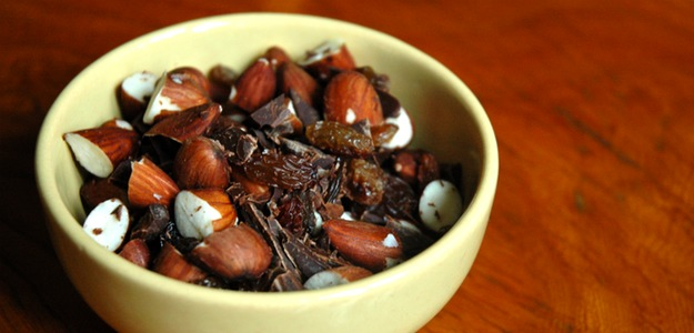 Almond Trail Mix (Vegan)