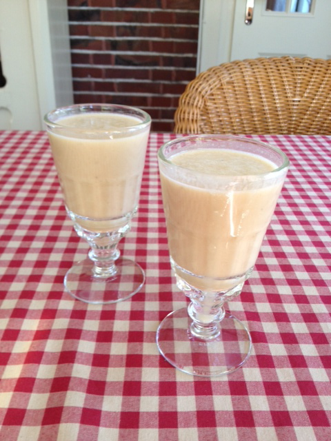 Our reward: a vegan banana peanutbutter smoothie!