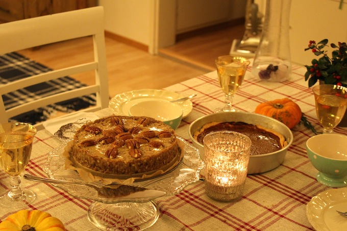 Raw Vegan Pecan Pie and Pumpkin Pie