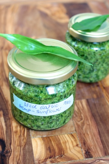 Wild Garlic Pesto With Hemp Seeds (Vegan)