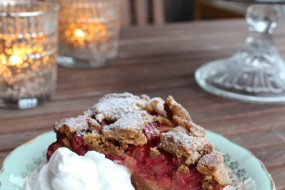 Rhubarb Strawberry Cake with Crumble Topping
