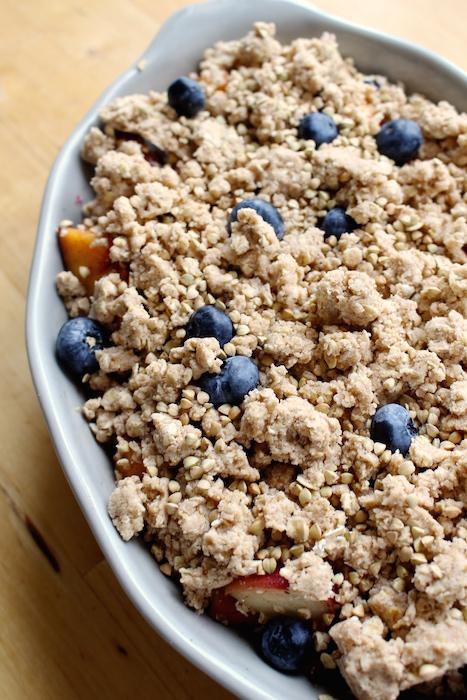 blueberry peach crumble