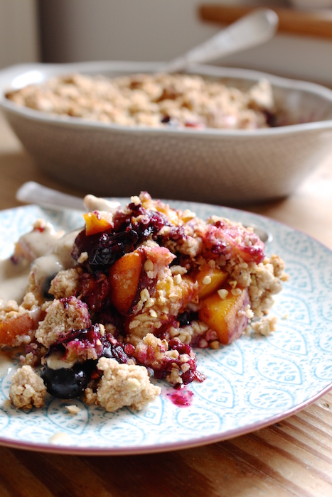 Blueberry Peach Crumble with Cashew Vanilla Sauce