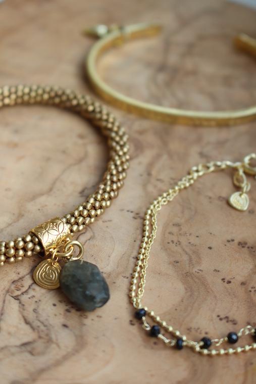 A beautiful story jewelry