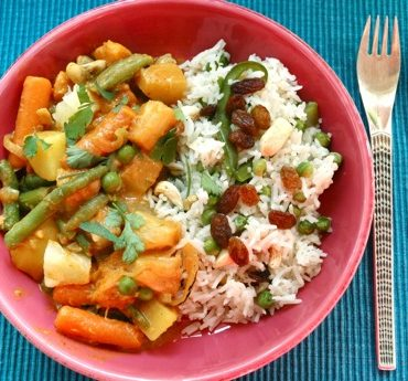 indian vegetable curry with fruit